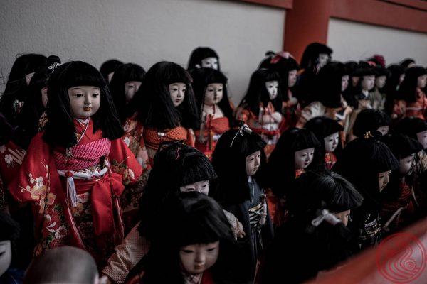 Dolls. Many, many dolls.