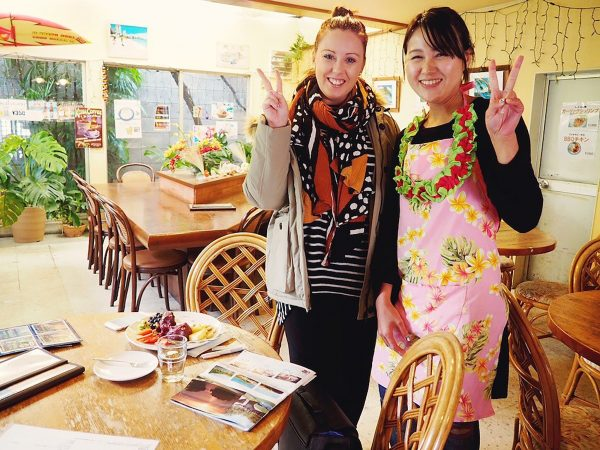With manager Hazuki Iwasaki at her Hawaiian themed cafe