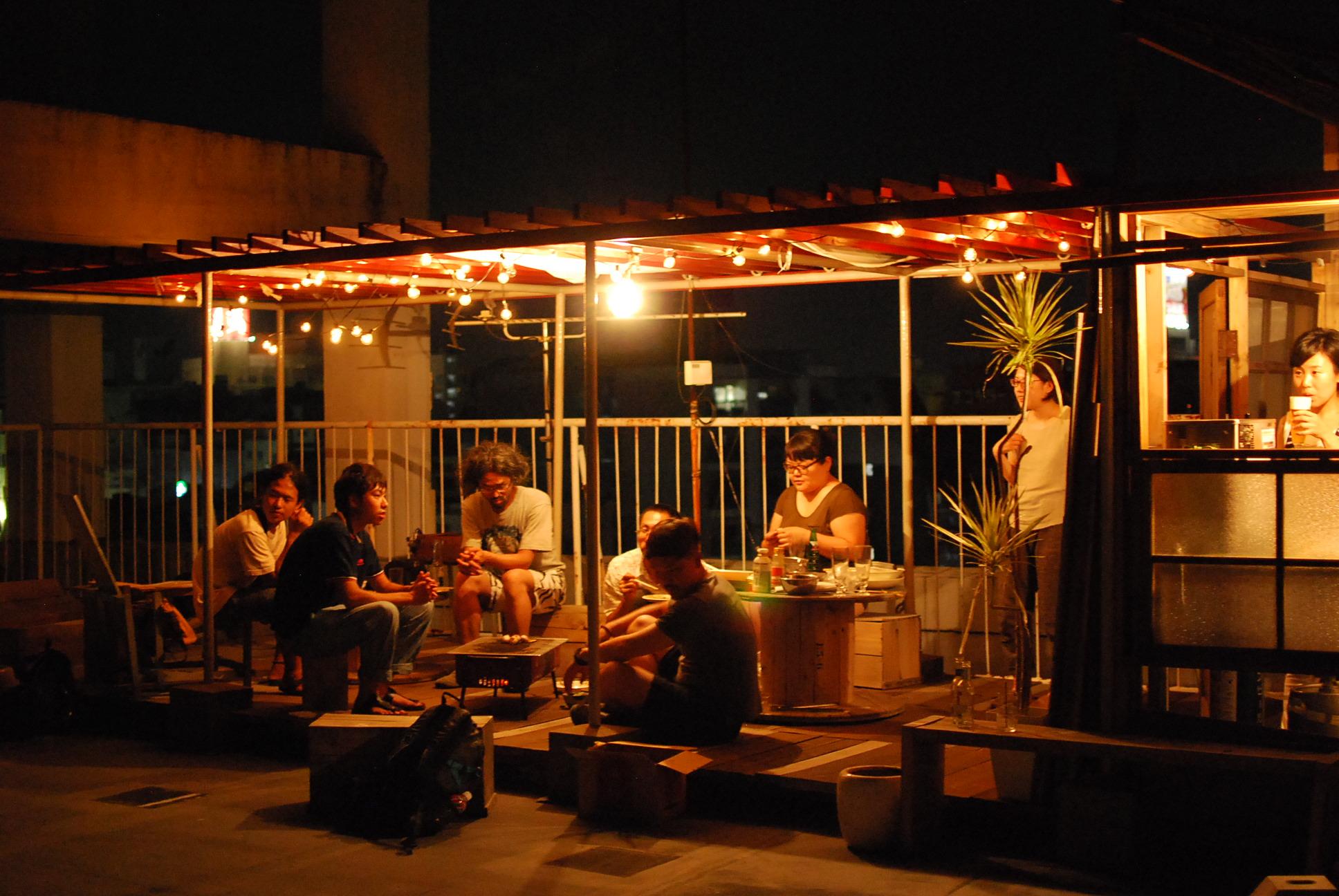 At night in RICOの写真