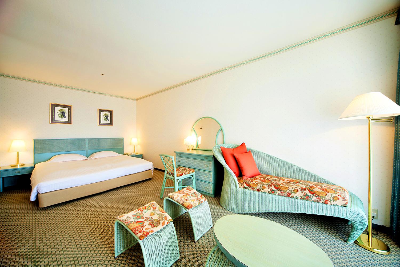 Wakayama Marina City Hotel, Ocean view bathroom, Double room.の写真