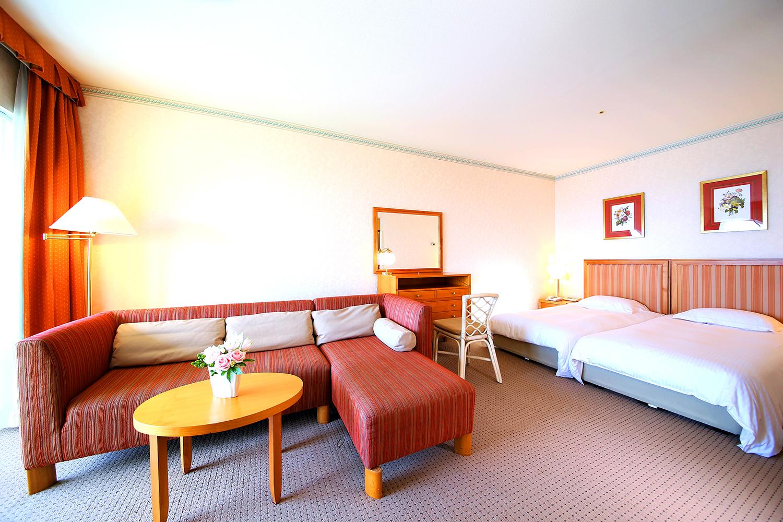 Wakayama Marina City Hotel, Ocean view bathroom, Twin room.の写真
