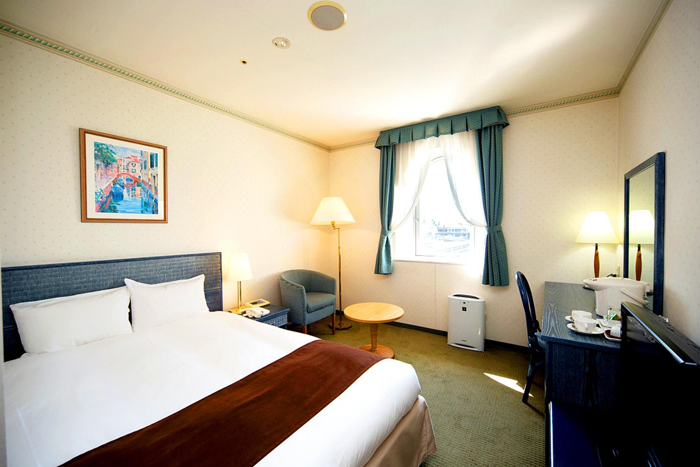 Wakayama Marina City Hotel, Double room.の写真