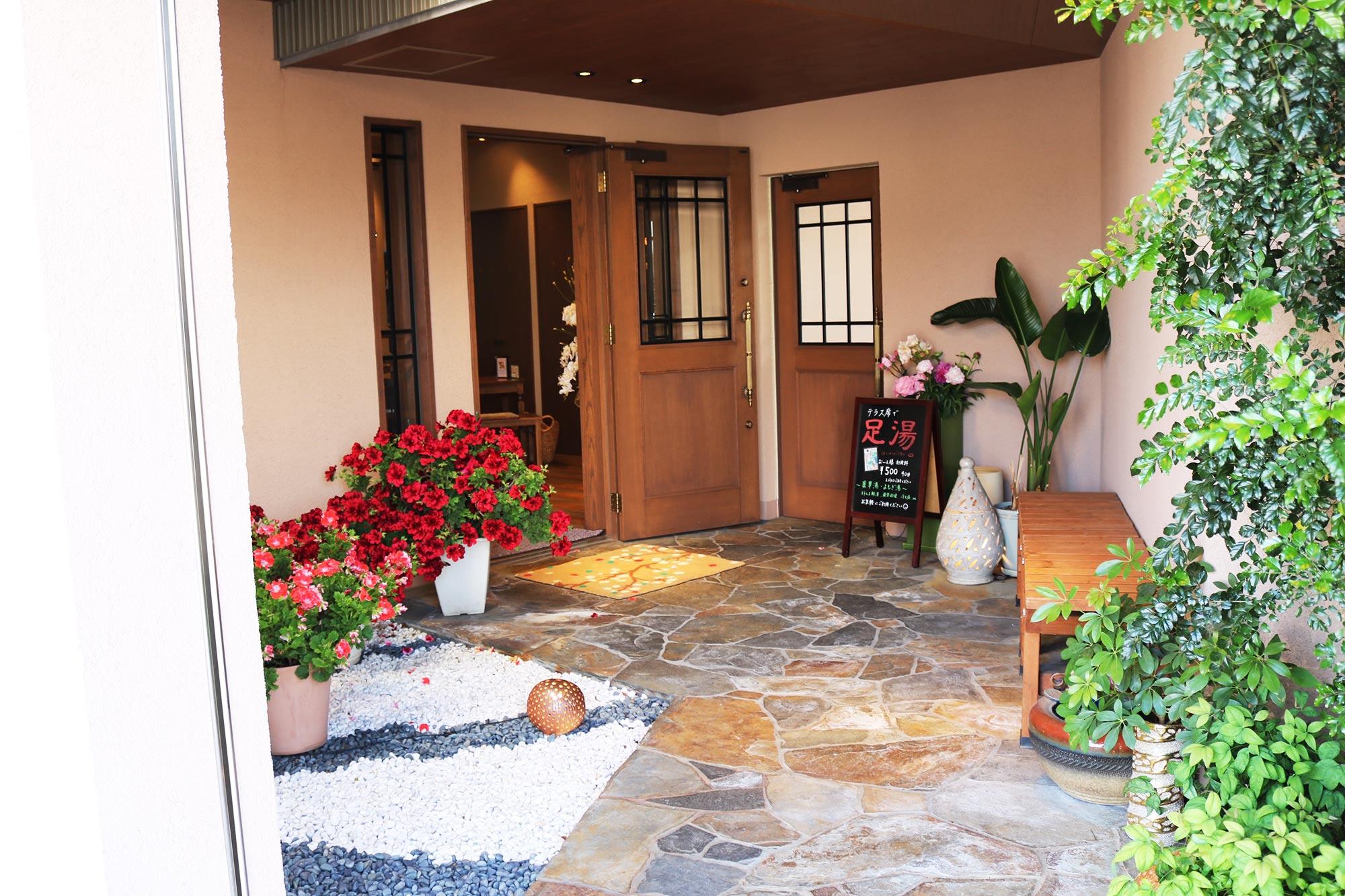 Entrance of the restaurantの写真